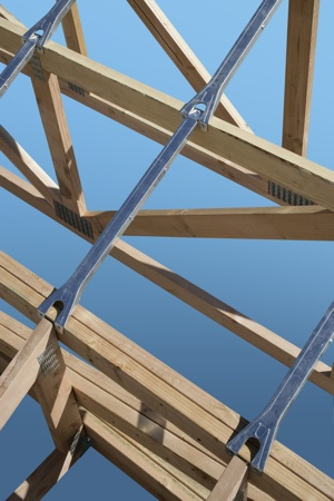Simpson Strong-Tie introduces the AHEP (adjustable hip-end purlin) connector for wood and cold-formed-steel (CFS) truss applications.