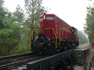 120 Ton Locomotive successfully crosses Axion's RSC RR Bridge (Photo: Business Wire)